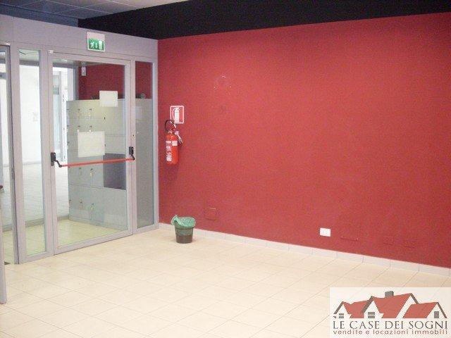Attività / Licenza in affitto a Ponsacco, 2 locali, prezzo € 750 | Cambio Casa.it