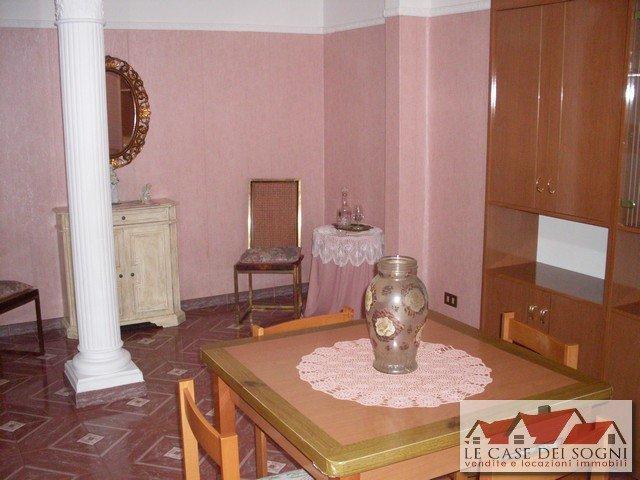 Appartamento in affitto a Pontedera, 2 locali, prezzo € 450   Cambio Casa.it