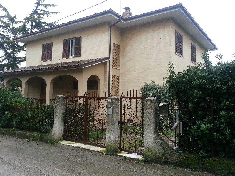 Appartamento in affitto a Fermo, 4 locali, prezzo € 450 | CambioCasa.it