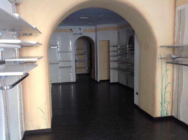 Negozio / Locale in affitto a Nola, 1 locali, Trattative riservate | Cambio Casa.it