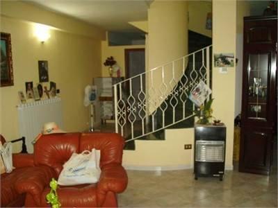 Villa in vendita a Tufino, 4 locali, prezzo € 400.000 | Cambio Casa.it