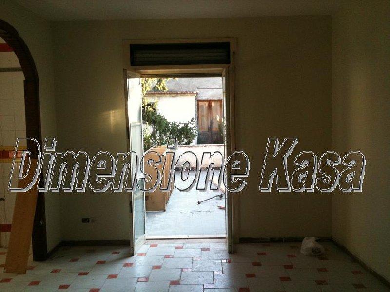 Appartamento in vendita a Sirignano, 4 locali, prezzo € 85.000 | Cambio Casa.it