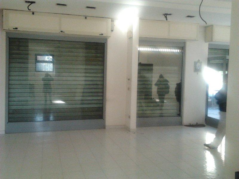 Negozio / Locale in affitto a Marigliano, 2 locali, prezzo € 1.200 | Cambio Casa.it