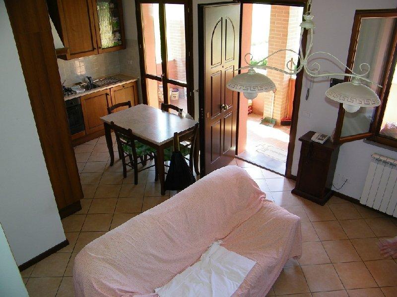 Appartamento in vendita a Pontedera, 5 locali, prezzo € 200.000 | Cambio Casa.it