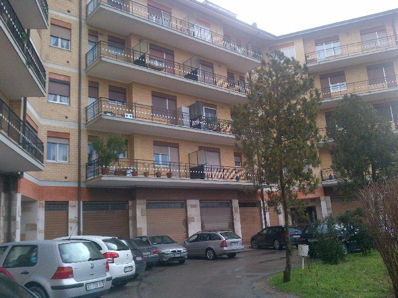 Appartamento in vendita a Panicale, 5 locali, zona Zona: Tavernelle, prezzo € 105.000 | Cambio Casa.it