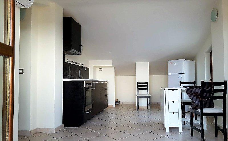 Bilocale affitto ciampino via dell 39 ospedaletto 50 for Planimetrie dell appartamento seminterrato