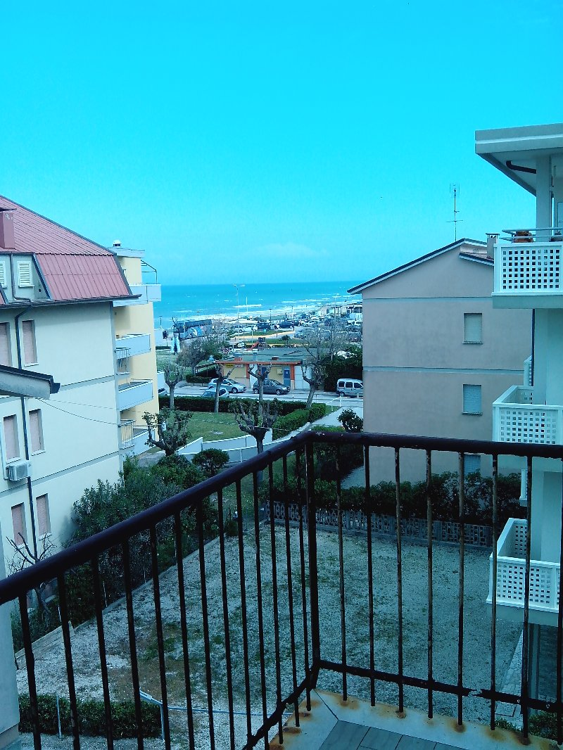 Appartamenti in vendita a fano in zona torrette cerca for Case con torrette