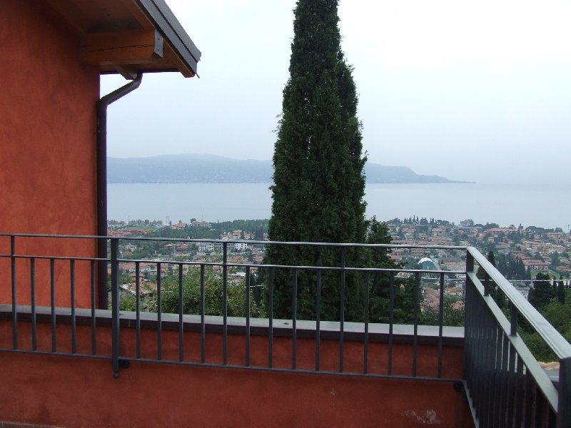 Attico / Mansarda in vendita a Toscolano-Maderno, 5 locali, zona Zona: Maderno, prezzo € 535.000 | CambioCasa.it