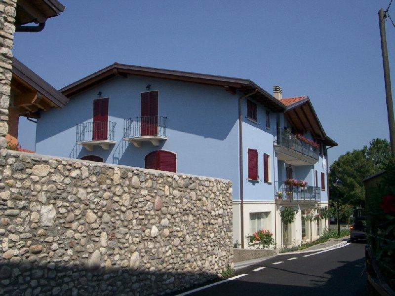 Immobile Commerciale in affitto a San Felice del Benaco, 1 locali, zona Zona: Scarpizzolo, prezzo € 500 | Cambio Casa.it