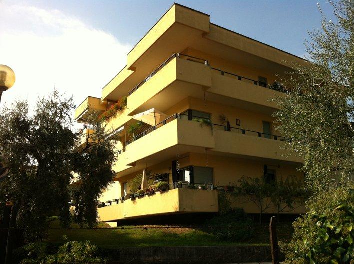 Bilocale Salò Via Nazario Sauro 2