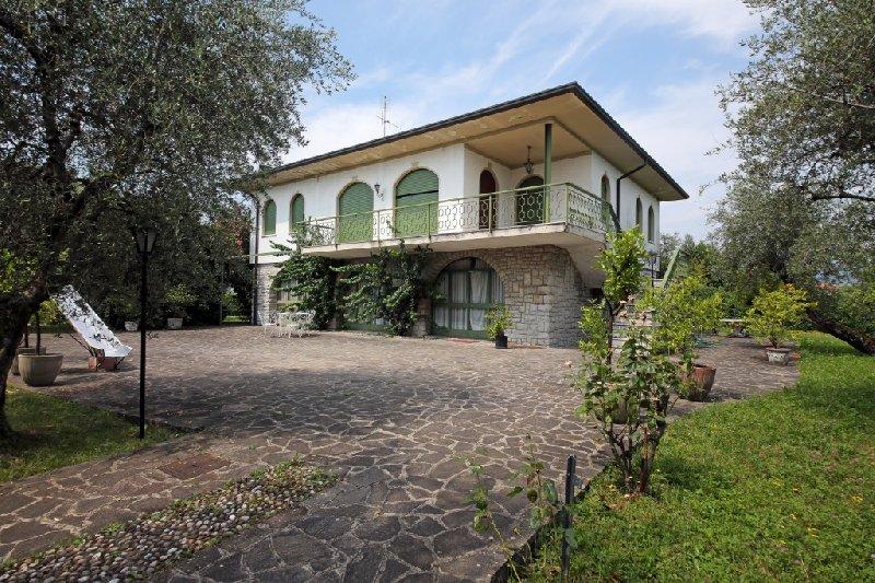 Villa in Vendita a San Felice del Benaco