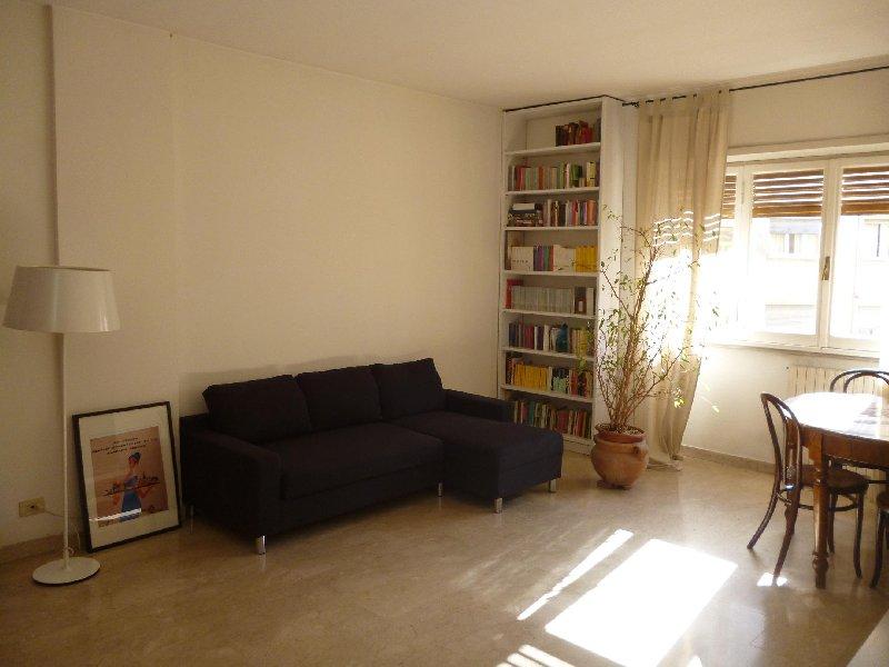 Appartamento in affitto a roma via gaspare gozzi bed for Affitto appartamento roma privati
