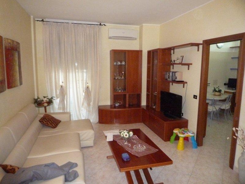 Appartamento in vendita a Baranzate, 3 locali, prezzo € 130.000   Cambio Casa.it