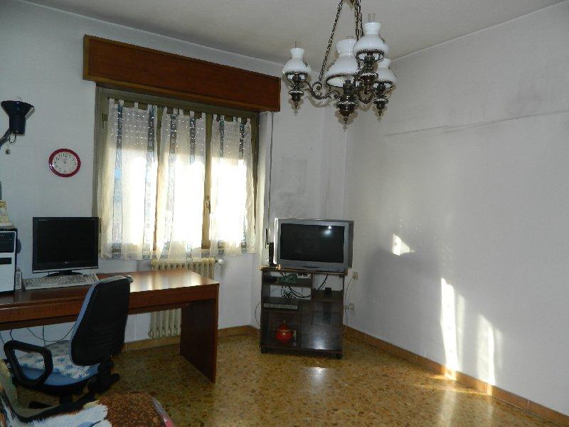 Appartamento in vendita a San Vittore Olona, 2 locali, prezzo € 59.000 | Cambio Casa.it