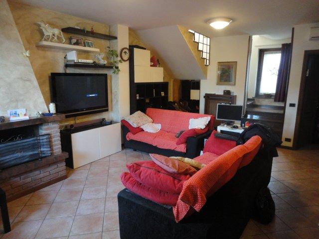 Casa semi indipendente, Travaco' Siccomario, abitabile