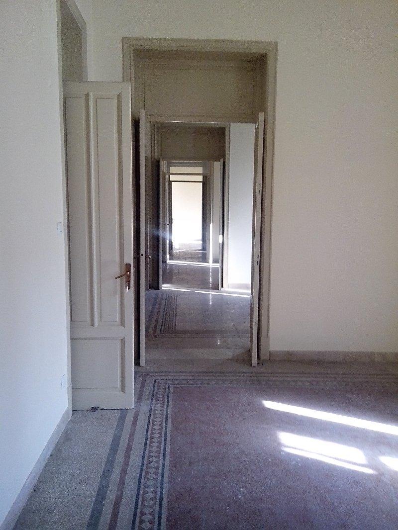 Appartamento affitto PALERMO (PA) - 99 LOCALI - 220 MQ