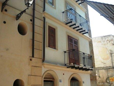 Attico / Mansarda in vendita a Palermo, 6 locali, prezzo € 240.000 | CambioCasa.it