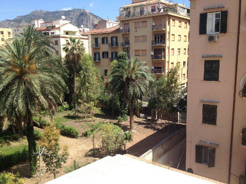 Appartamento in affitto a Palermo, 10 locali, zona Zona: Libertà, prezzo € 2.500 | CambioCasa.it