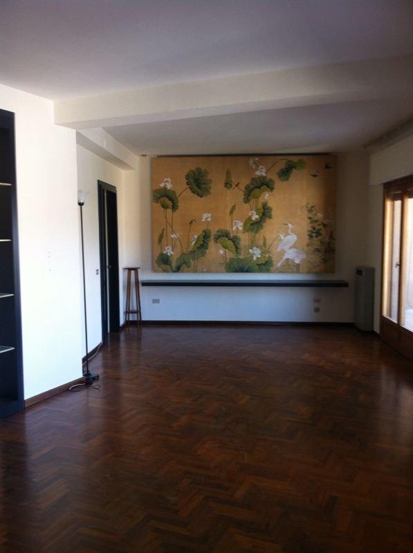 Appartamento affitto PALERMO (PA) - 6 LOCALI - 150 MQ