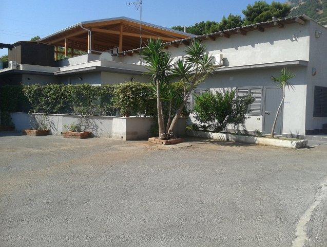 Capannone in affitto a Palermo, 4 locali, zona Zona: Tommaso Natale, prezzo € 3.500 | CambioCasa.it