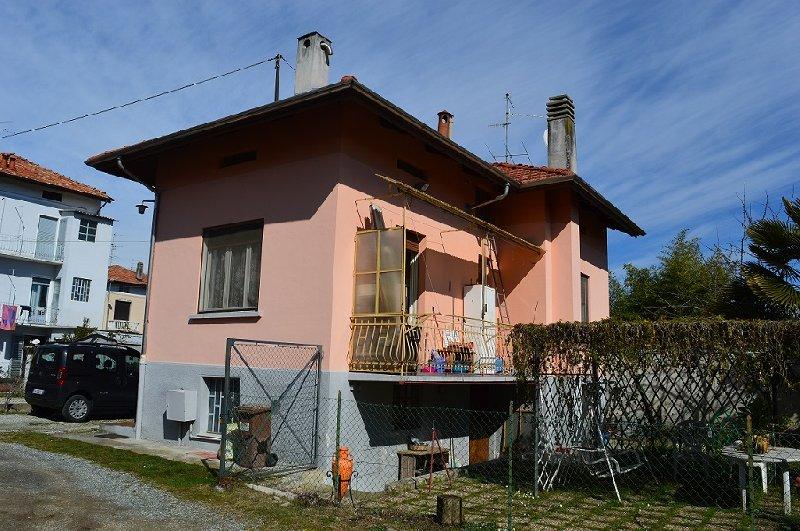 Soluzione Indipendente in vendita a Ponderano, 5 locali, prezzo € 97.000 | Cambio Casa.it