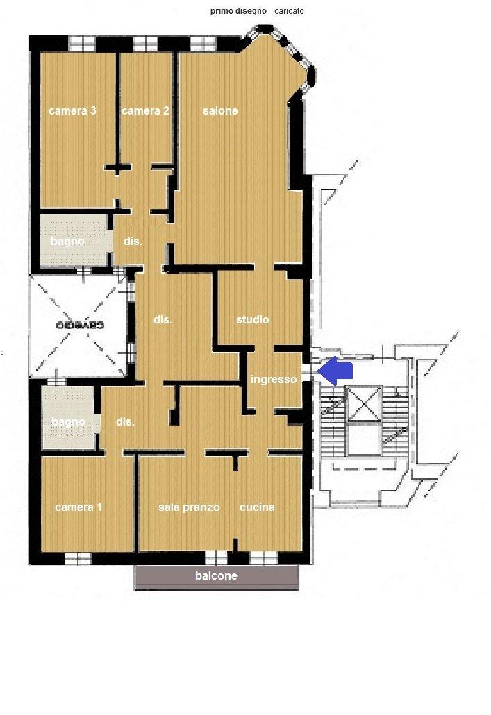Appartamento in affitto a Biella, 8 locali, prezzo € 900 | CambioCasa.it