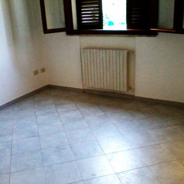Appartamento in affitto a Ponsacco, 2 locali, prezzo € 500 | CambioCasa.it
