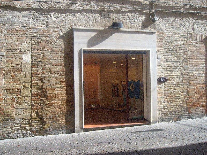 Negozio / Locale in vendita a Fermo, 1 locali, prezzo € 79.000 | Cambio Casa.it