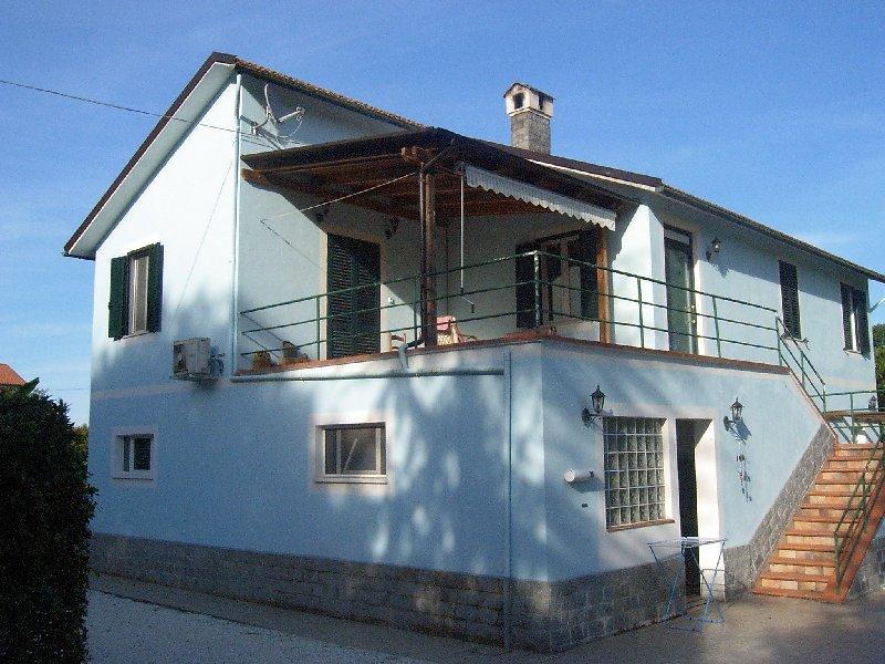 Villa in vendita a Fermo, 10 locali, prezzo € 250.000 | CambioCasa.it