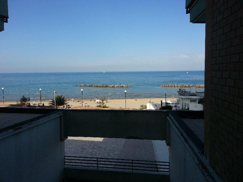 Bilocale Porto San Giorgio Via Lungomare Gramsci 32 4