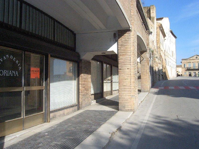 Negozio / Locale in vendita a Fermo, 9999 locali, prezzo € 55.000 | CambioCasa.it