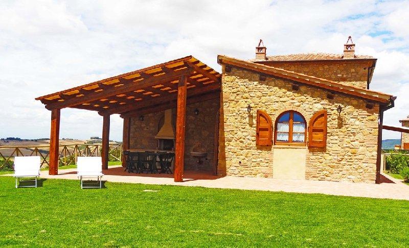 Soluzione Indipendente in vendita a Volterra, 5 locali, Trattative riservate | Cambio Casa.it