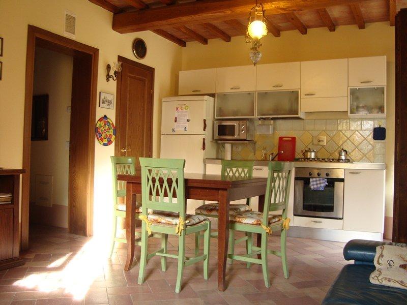 Appartamento in vendita a Montopoli in Val d'Arno, 3 locali, zona Zona: Marti, prezzo € 170.000   Cambio Casa.it