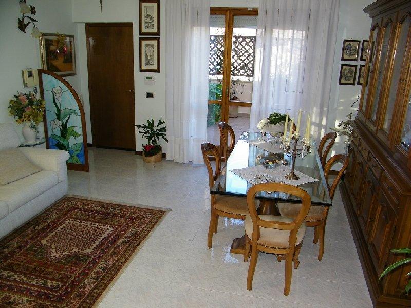 Appartamento in vendita a Pontedera, 4 locali, prezzo € 198.000 | Cambio Casa.it