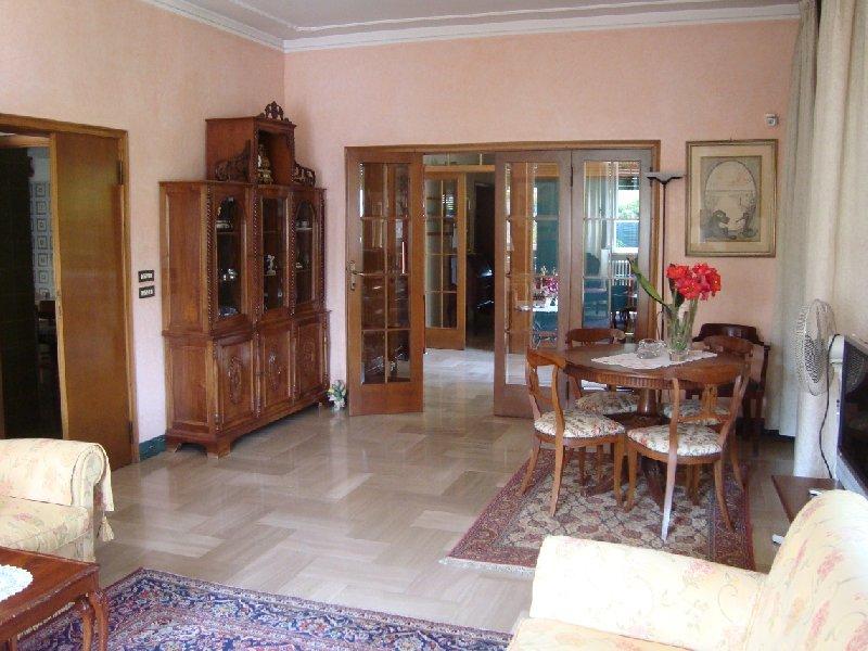 Villa in vendita a Pontedera, 12 locali, Trattative riservate | Cambio Casa.it
