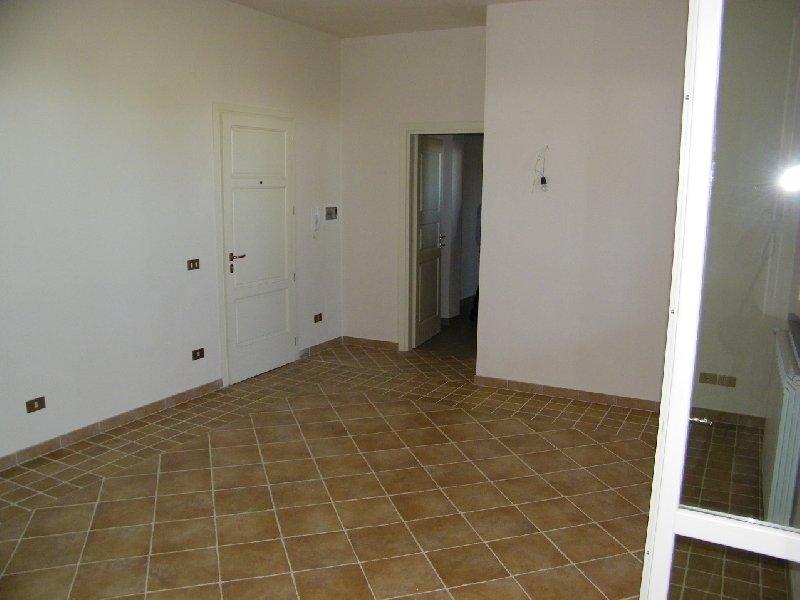 Appartamento in vendita a Ponsacco, 4 locali, prezzo € 155.000 | Cambio Casa.it