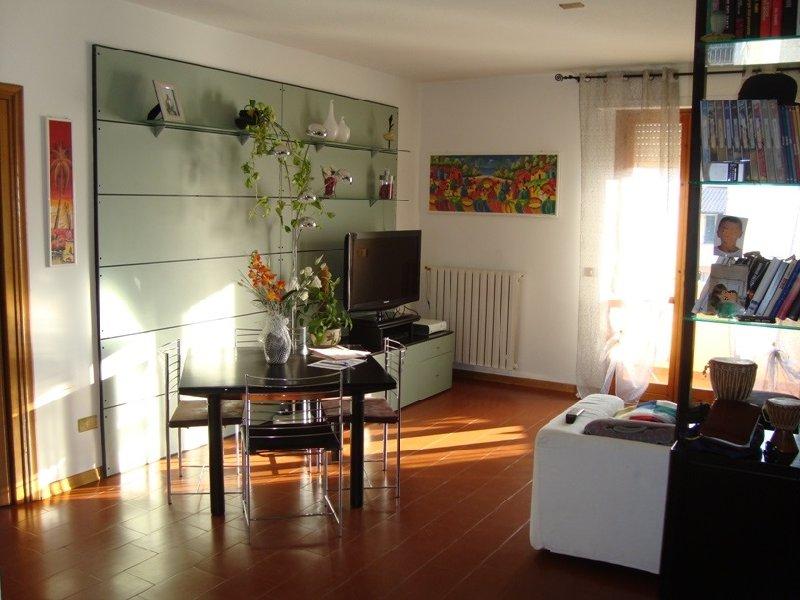 Appartamento in vendita a Pontedera, 5 locali, prezzo € 183.000 | Cambio Casa.it