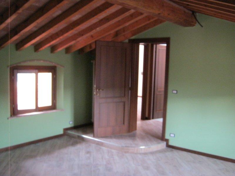 Appartamento in vendita a Pontedera, 4 locali, zona Zona: La Rotta, prezzo € 130.000 | Cambio Casa.it