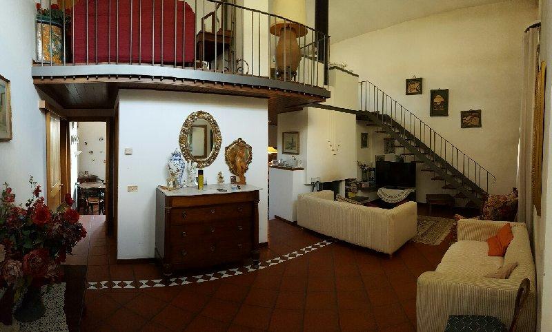 Villa in vendita a Pontedera, 8 locali, prezzo € 270.000 | Cambio Casa.it