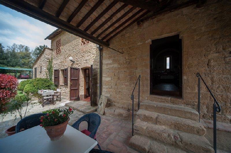 Villa in vendita a Volterra, 23 locali, prezzo € 1.850.000 | CambioCasa.it