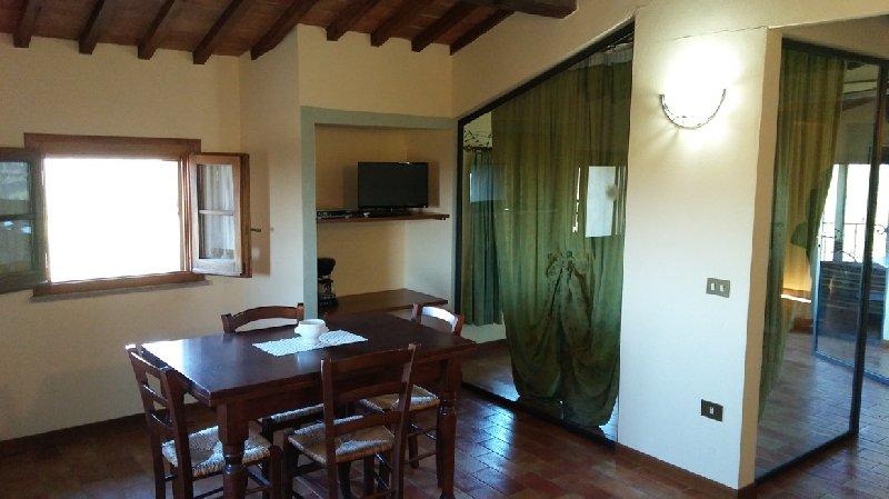 Appartamento in vendita a Lajatico, 4 locali, prezzo € 230.000 | Cambio Casa.it