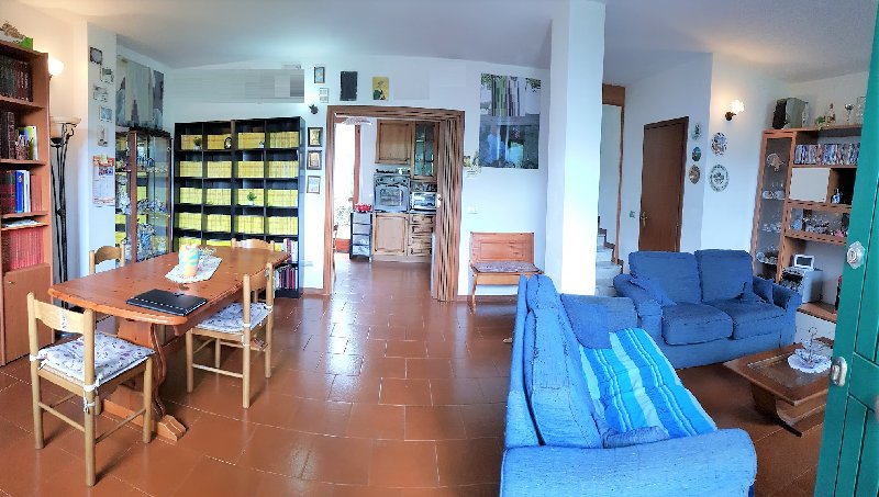 Villa vendita PONSACCO (PI) - 7 LOCALI - 180 MQ