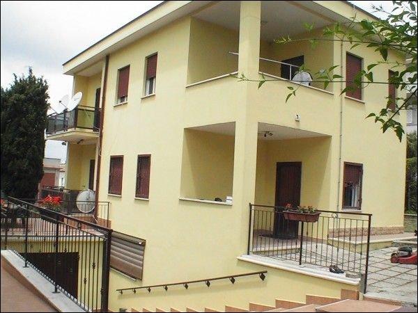Villa in affitto a Nettuno, 9 locali, zona Zona: Nettuno centro, prezzo € 2.000   Cambio Casa.it