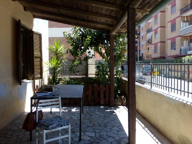 Soluzione Indipendente in vendita a Nettuno, 3 locali, zona Zona: Scacciapensieri, prezzo € 150.000 | Cambio Casa.it