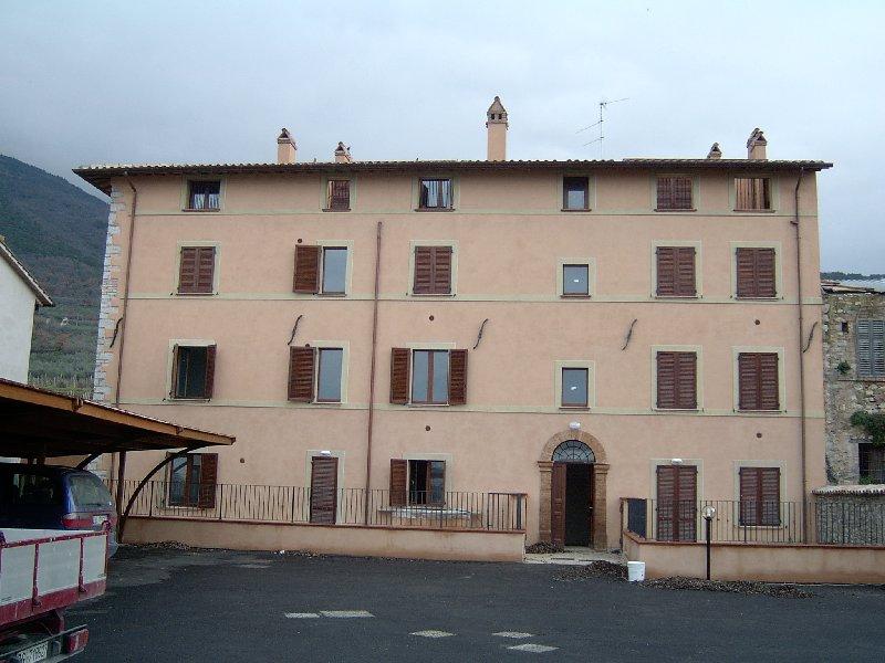 Appartamento in affitto a Assisi, 3 locali, zona Zona: Capodacqua, prezzo € 450 | Cambio Casa.it