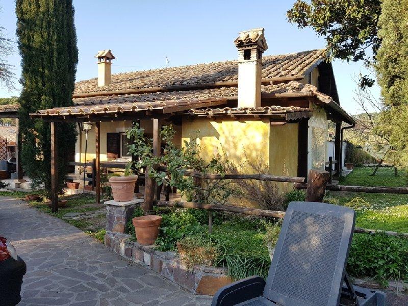 Villa in Affitto a Marino