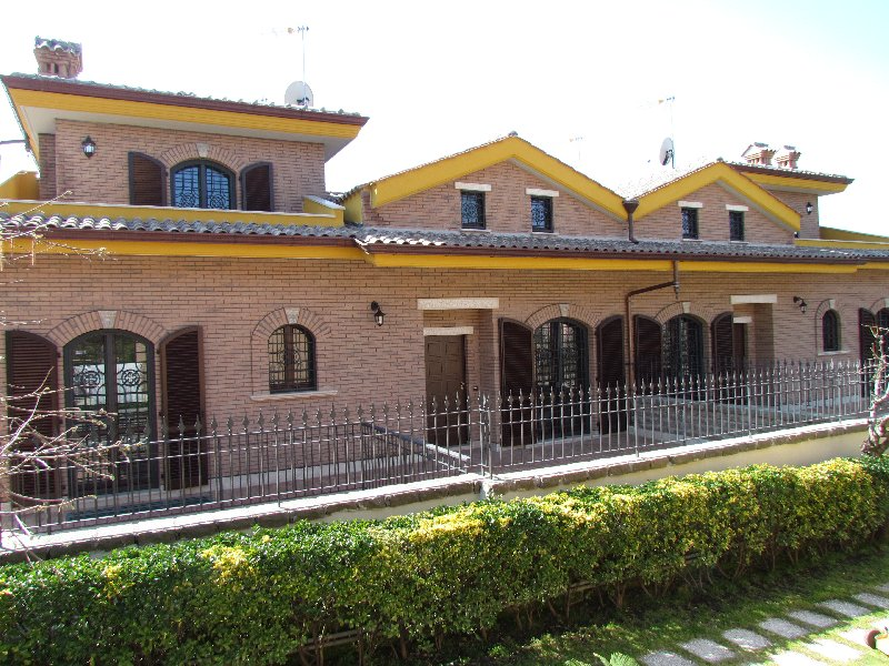 Villa in vendita a Grottaferrata, 5 locali, prezzo € 369.000 | CambioCasa.it