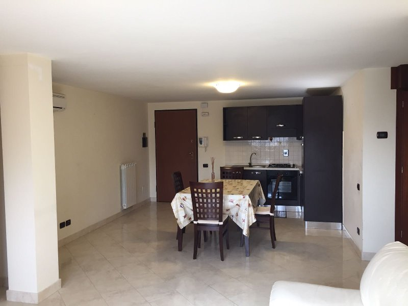 Attico / Mansarda in affitto a Albano Laziale, 3 locali, prezzo € 700 | Cambio Casa.it