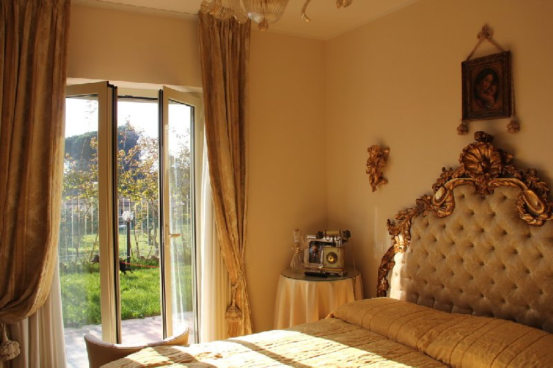 Villa in vendita a Rocca di Papa, 6 locali, prezzo € 389.000 | CambioCasa.it
