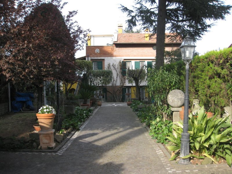Villa in vendita a Grottaferrata, 8 locali, prezzo € 579.000 | CambioCasa.it
